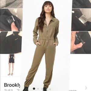 Forever 21 green jumpsuit size medium brand new